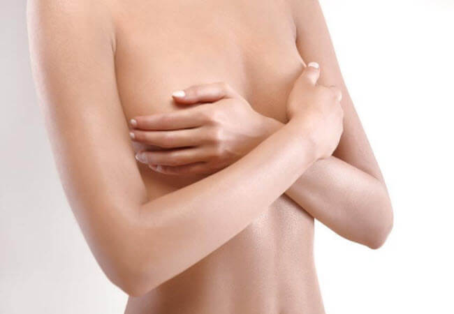 Assimetria mamária: Causas e tratamento